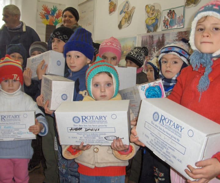 Christmas Shoe Box Appeal 2019.Rotary Shoebox Scheme Sending Boxes Of Gifts To Eastern Europe